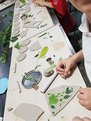 Terre Ceramica e Arte - Foglie Corsi Bambini